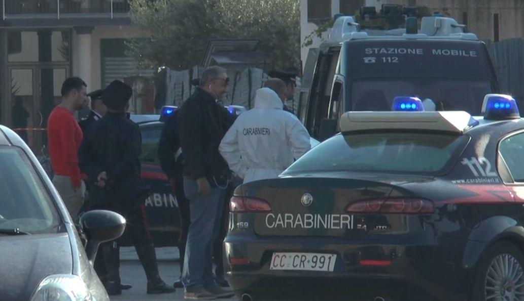 Napoli, uccide la moglie in auto a colpi di pistola: arrestato